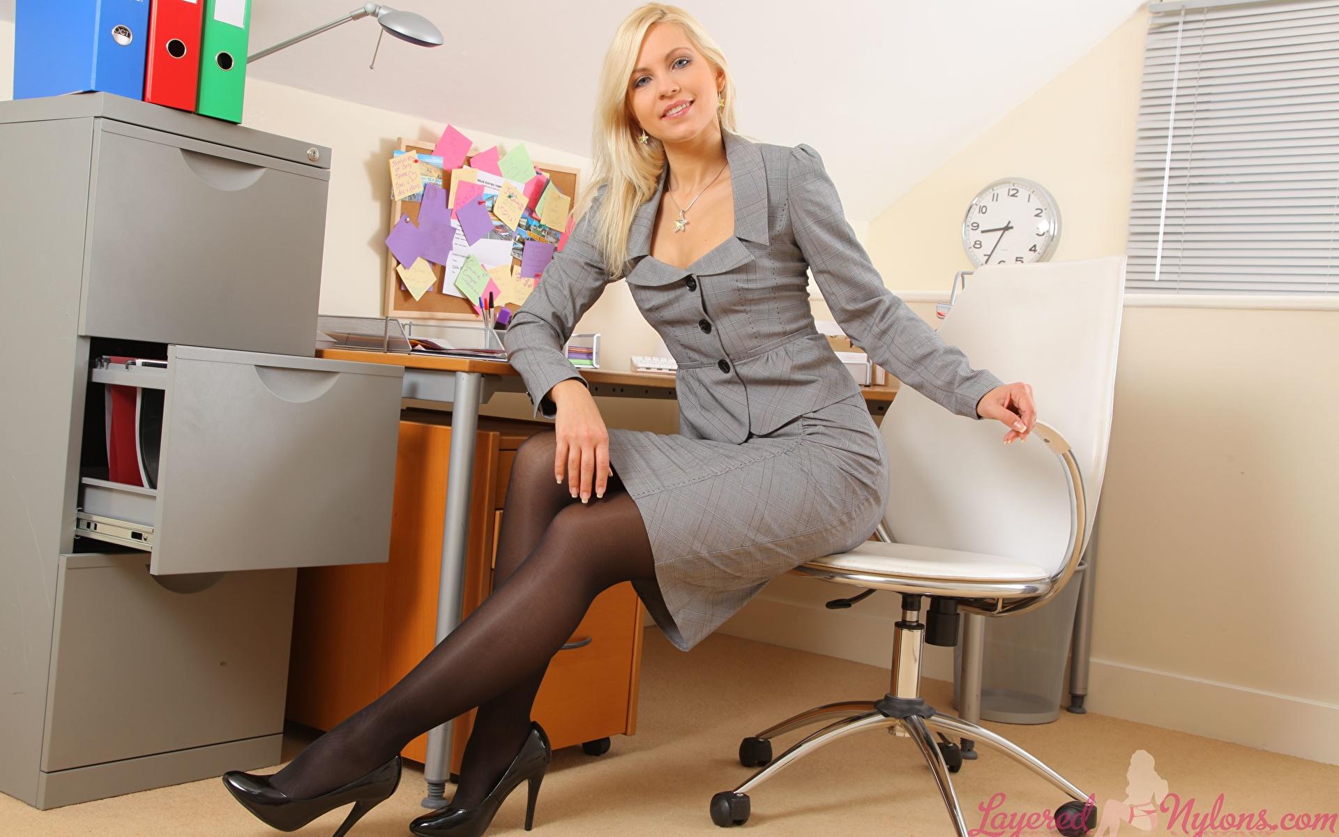 Жэнщины В Калготках В Офисах Фото