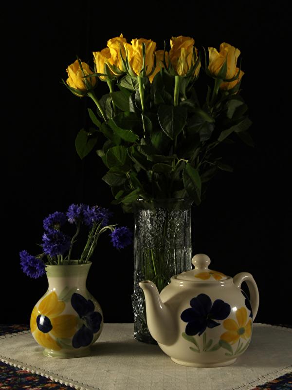 Картинка роза цветок Чайник вазе Васильки Натюрморт 600x800 для мобильного телефона Розы Цветы вазы Ваза