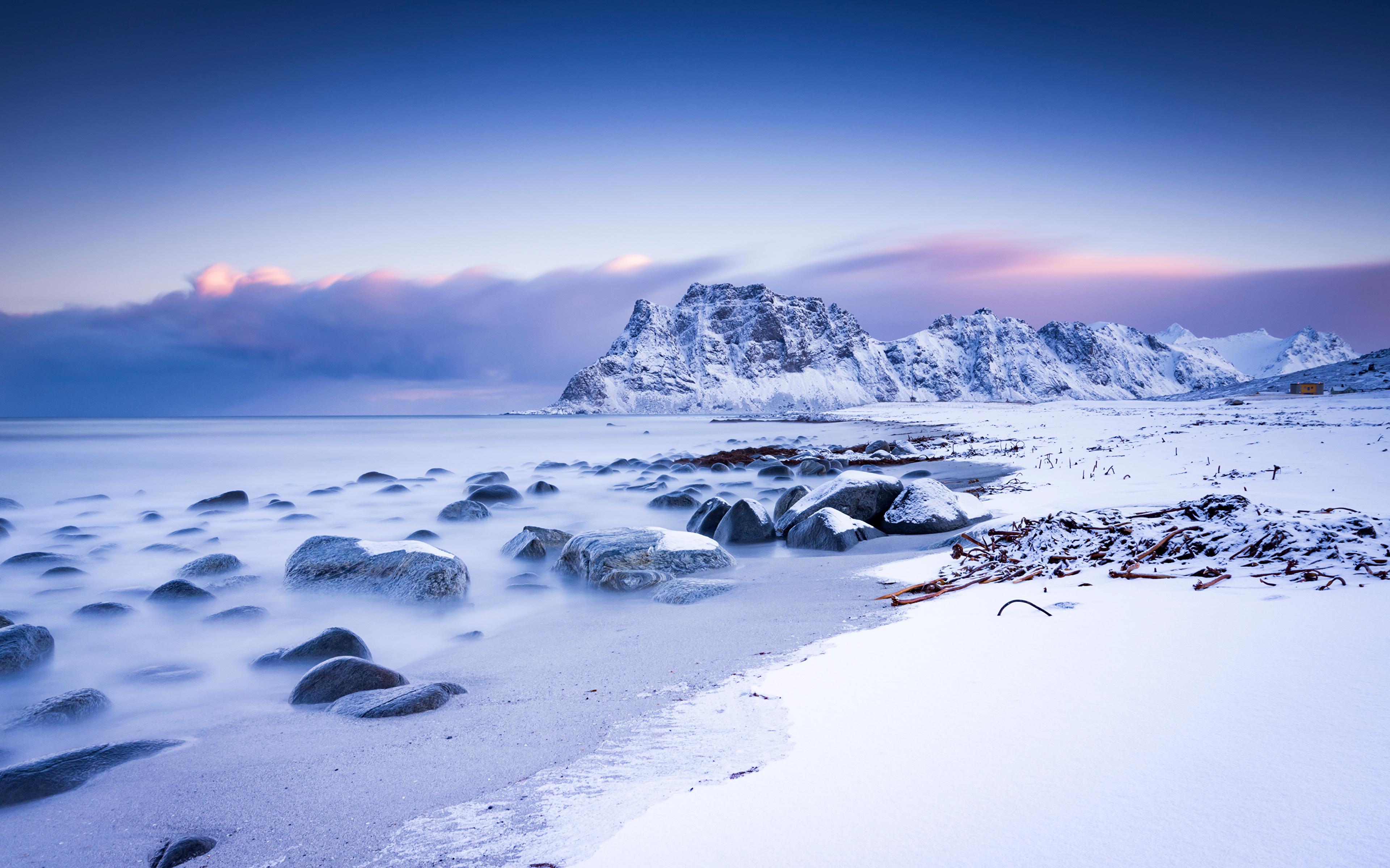 Картинки Лофотенские острова Норвегия Uttakleiv гора Природа Снег Пейзаж 3840x2400 Горы снега снегу снеге