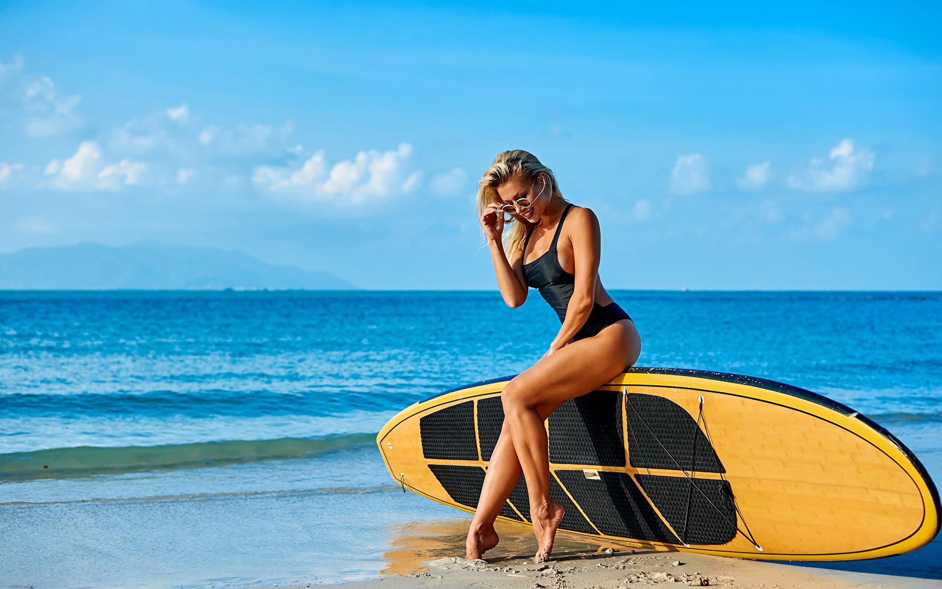 Спортивные девушки на пляже, Сексуальные девушки на пляже Ежедневный мужской 18 фотография