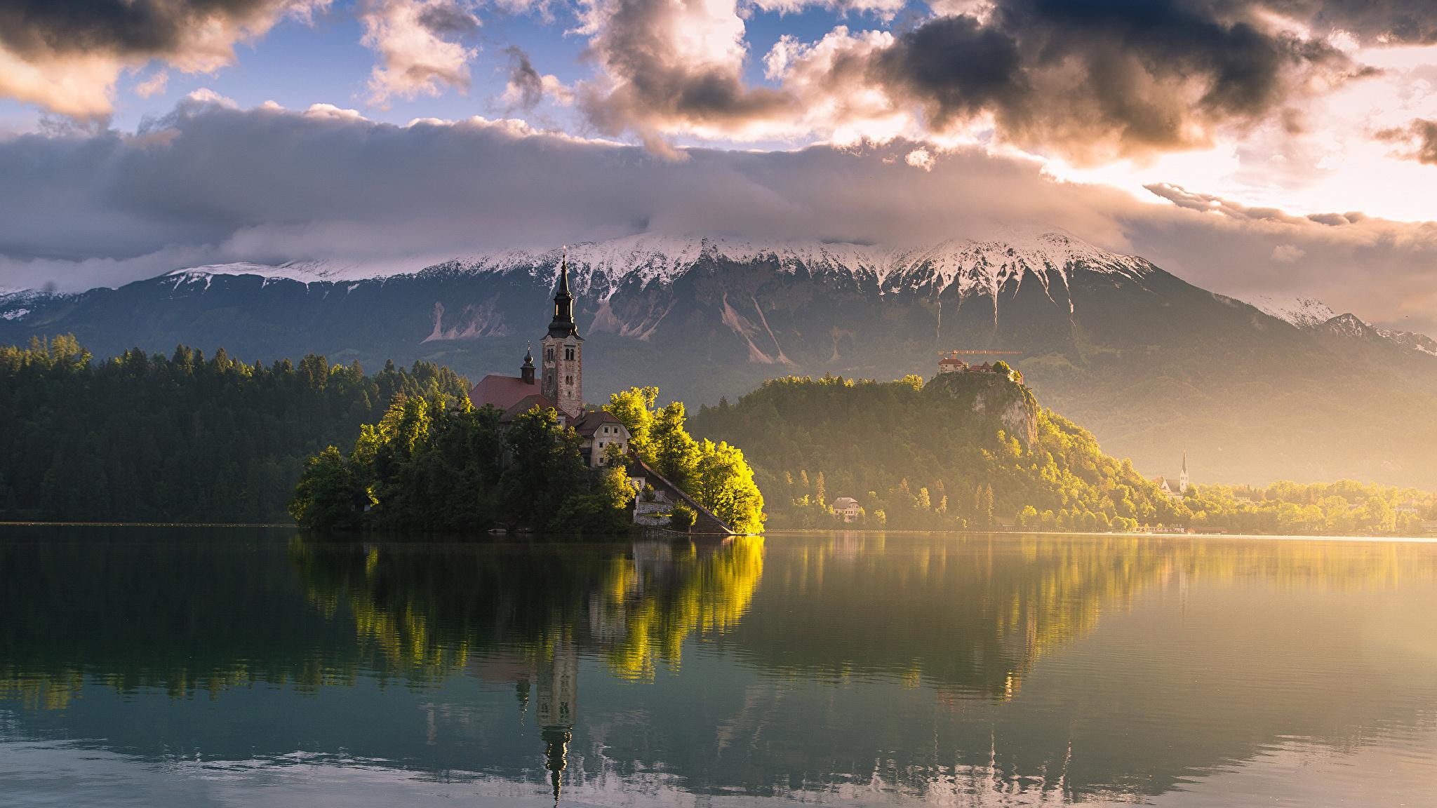 природа горе Бледское озеро отражение словения загрузить