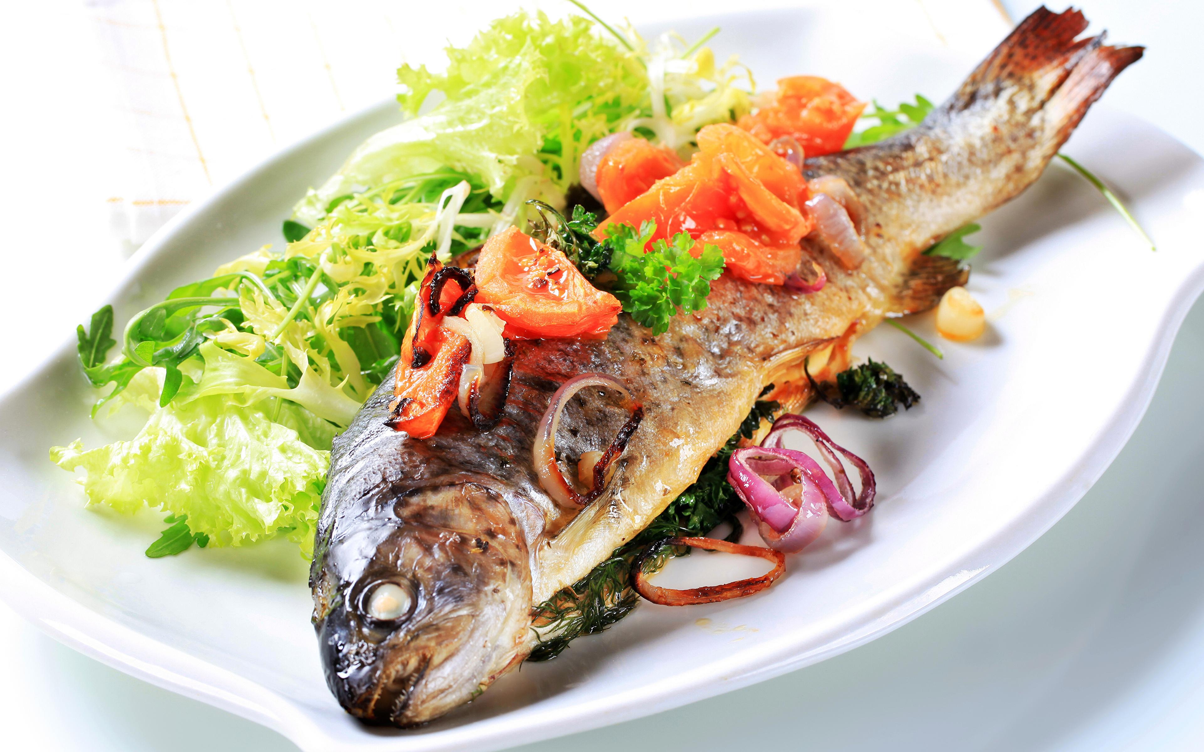 Фотографии Рыба Еда Овощи Тарелка 3840x2400 Пища тарелке Продукты питания
