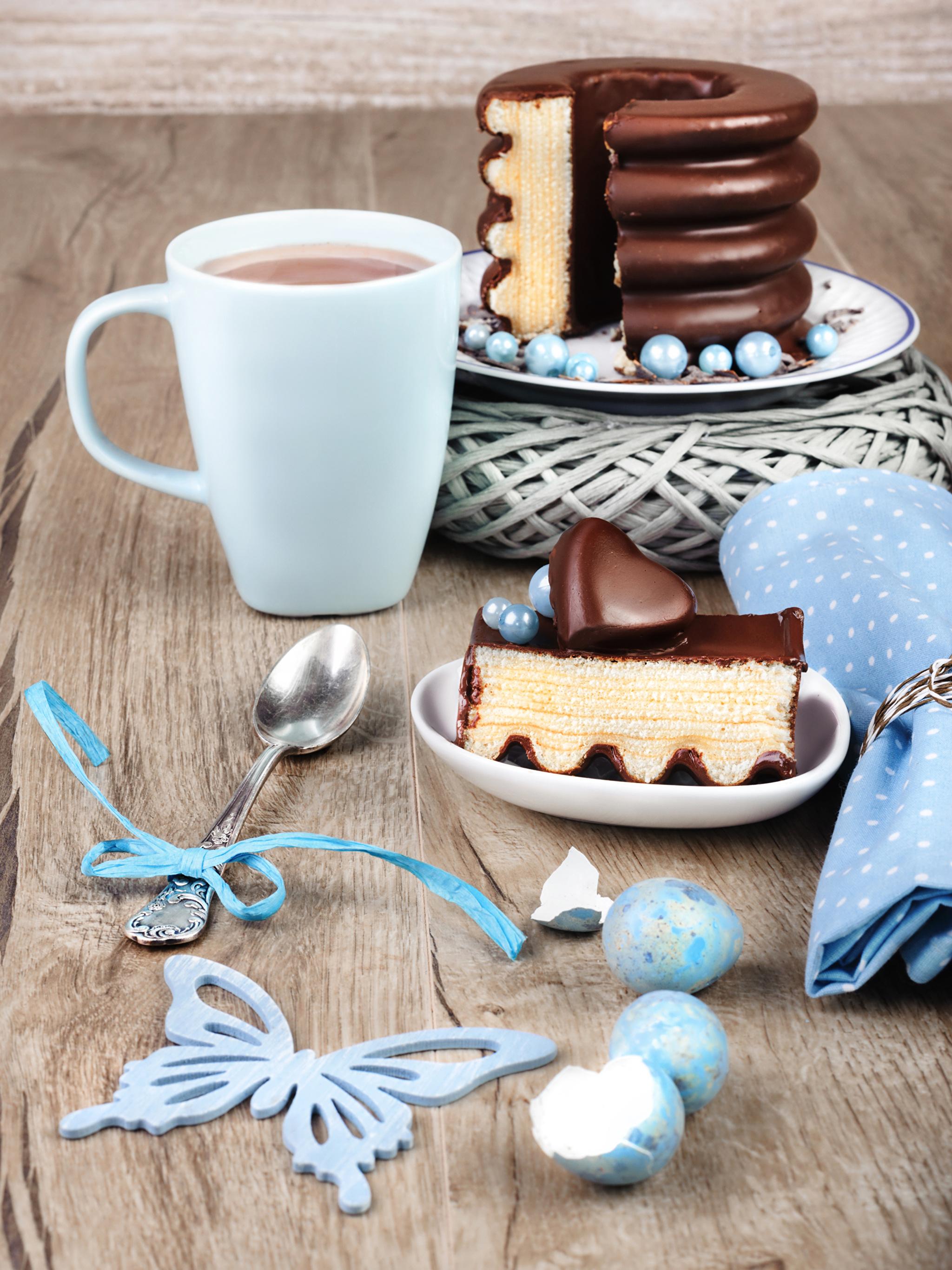 Фото Бабочки сердечко Яйца Шоколад Торты Какао напиток часть Еда Ложка Чашка 2048x2732 Сердце Горячий шоколад Кусок Пища Продукты питания