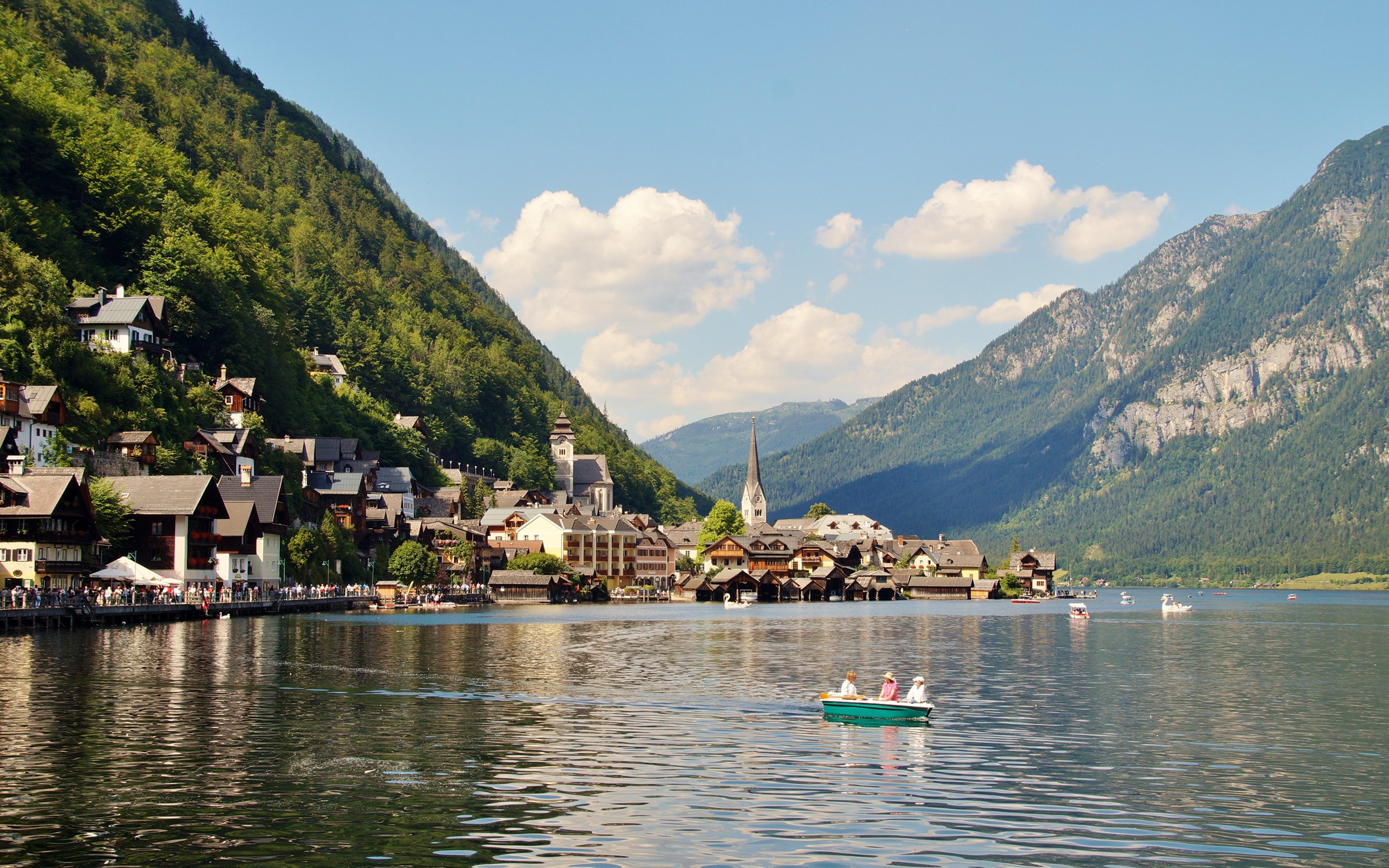 Фотографии Халльштатт Альпы Австрия Gmunden County Горы Природа Озеро Лодки Пристань Города Здания 3840x2400 Пирсы Причалы Дома