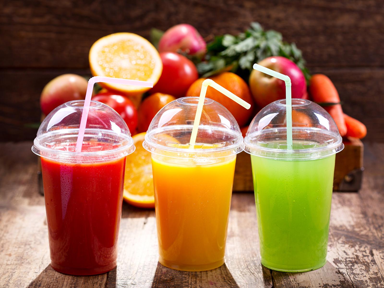 Картинки Сок Стакан Еда Трое 3 Фрукты 1600x1200 стакана стакане три Пища втроем Продукты питания