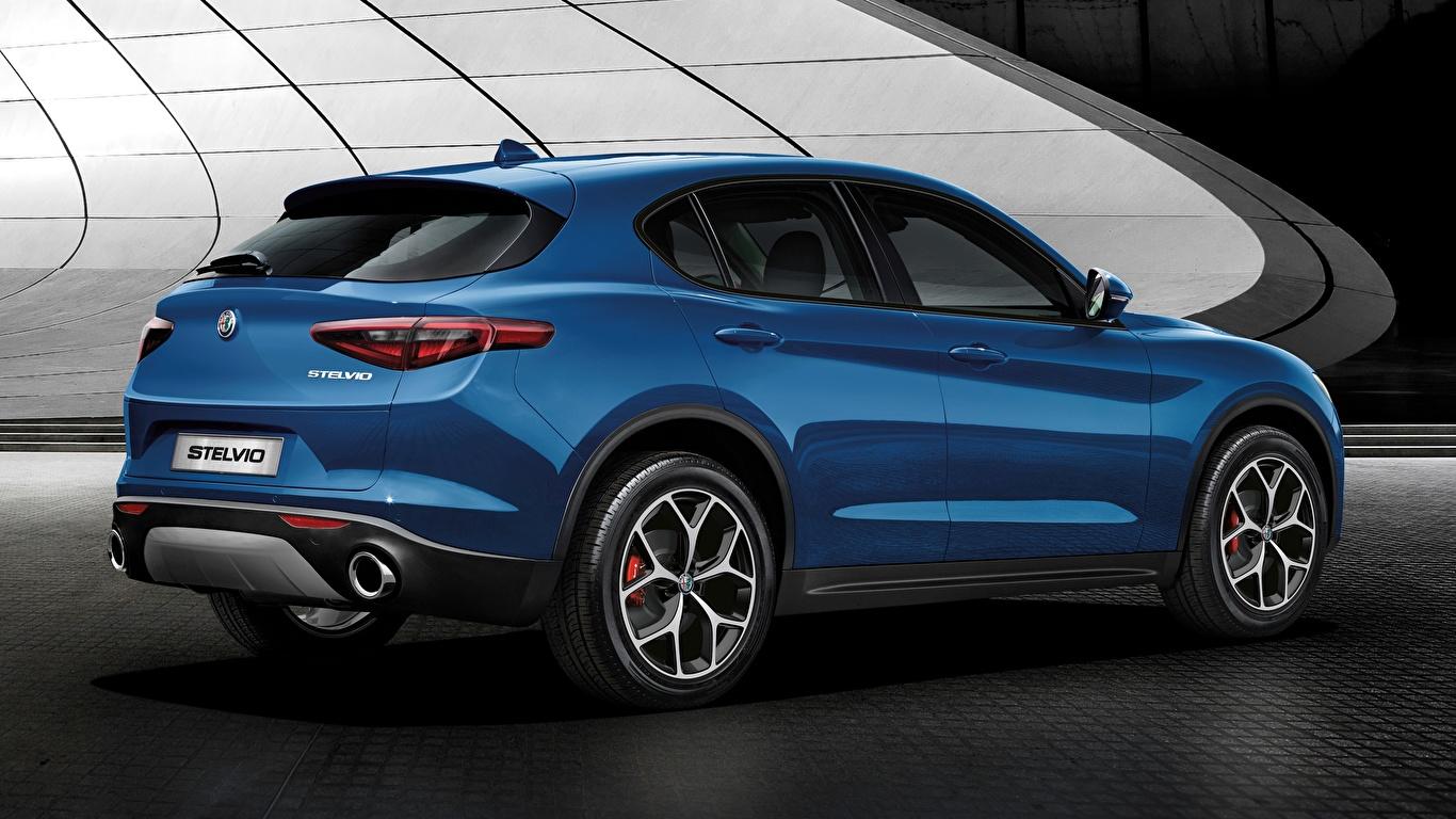 Картинка Альфа ромео CUV Stelvio, Sport, 2018 синих Автомобили 1366x768 Alfa Romeo Кроссовер синяя синие Синий авто машины машина автомобиль
