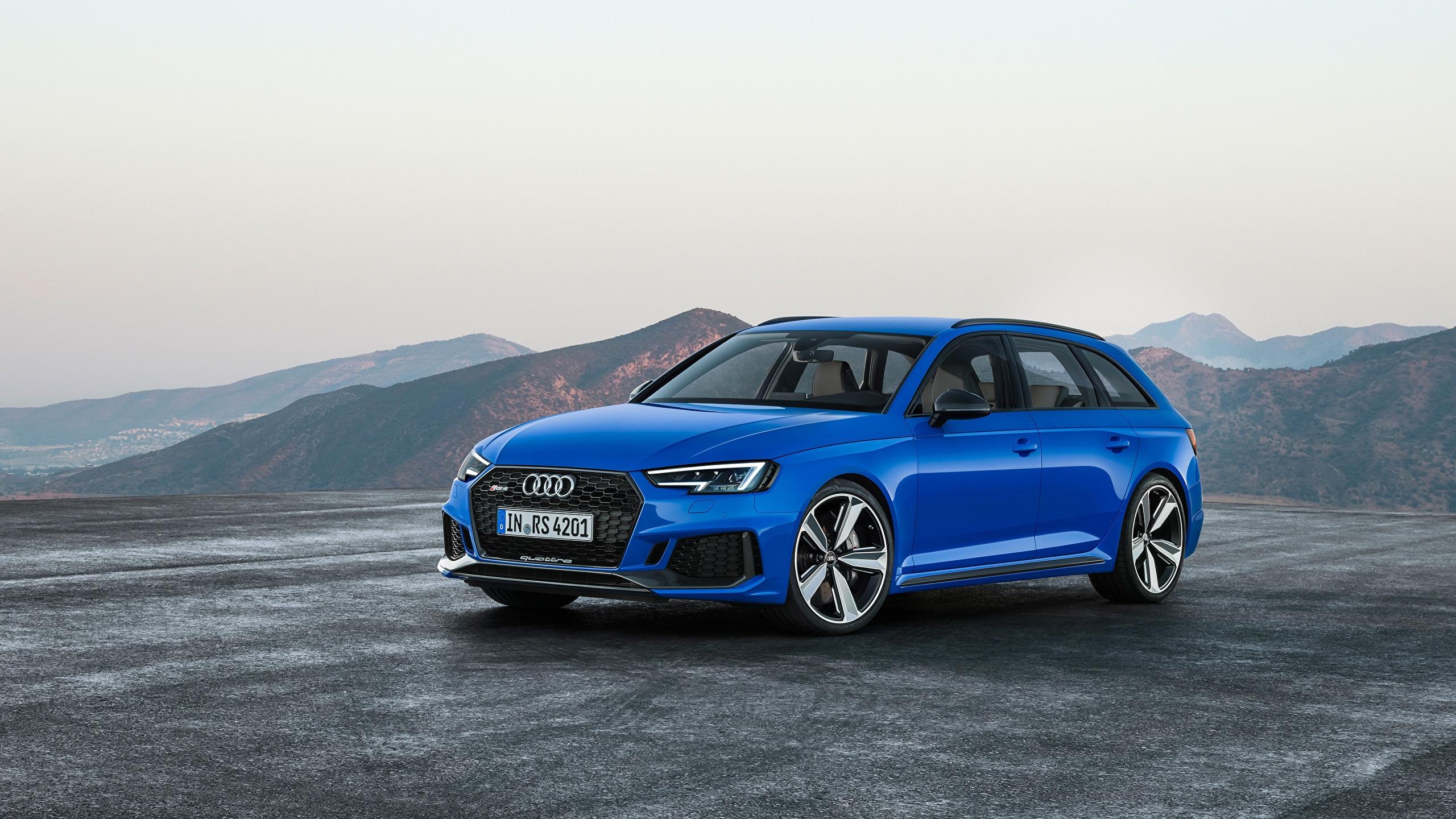 Обои для рабочего стола Ауди Универсал RS4, Avant, 2017 Синий авто Асфальт 2560x1440 Audi синяя синие синих машины машина асфальта Автомобили автомобиль