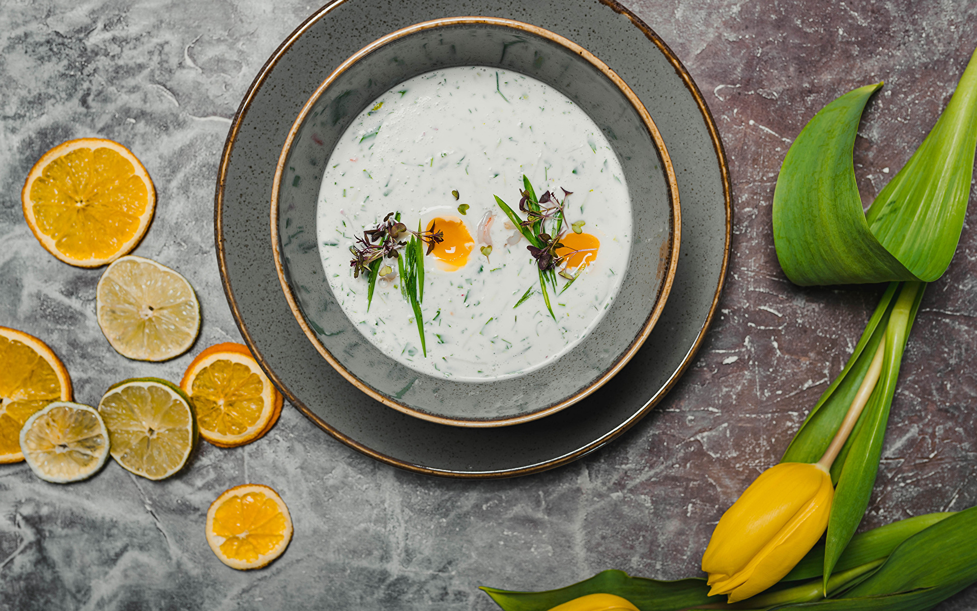 Фото тюльпан Цветы Лимоны Еда Супы Тарелка 1920x1200 Тюльпаны цветок Пища тарелке Продукты питания