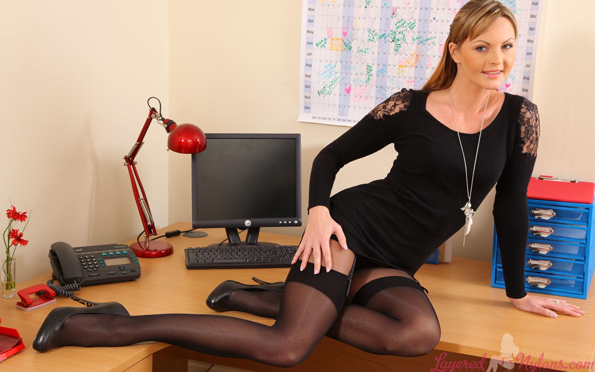 Секретарша в чулках порна, Порно видео с секретаршами в чулках на русском языке 7 фотография