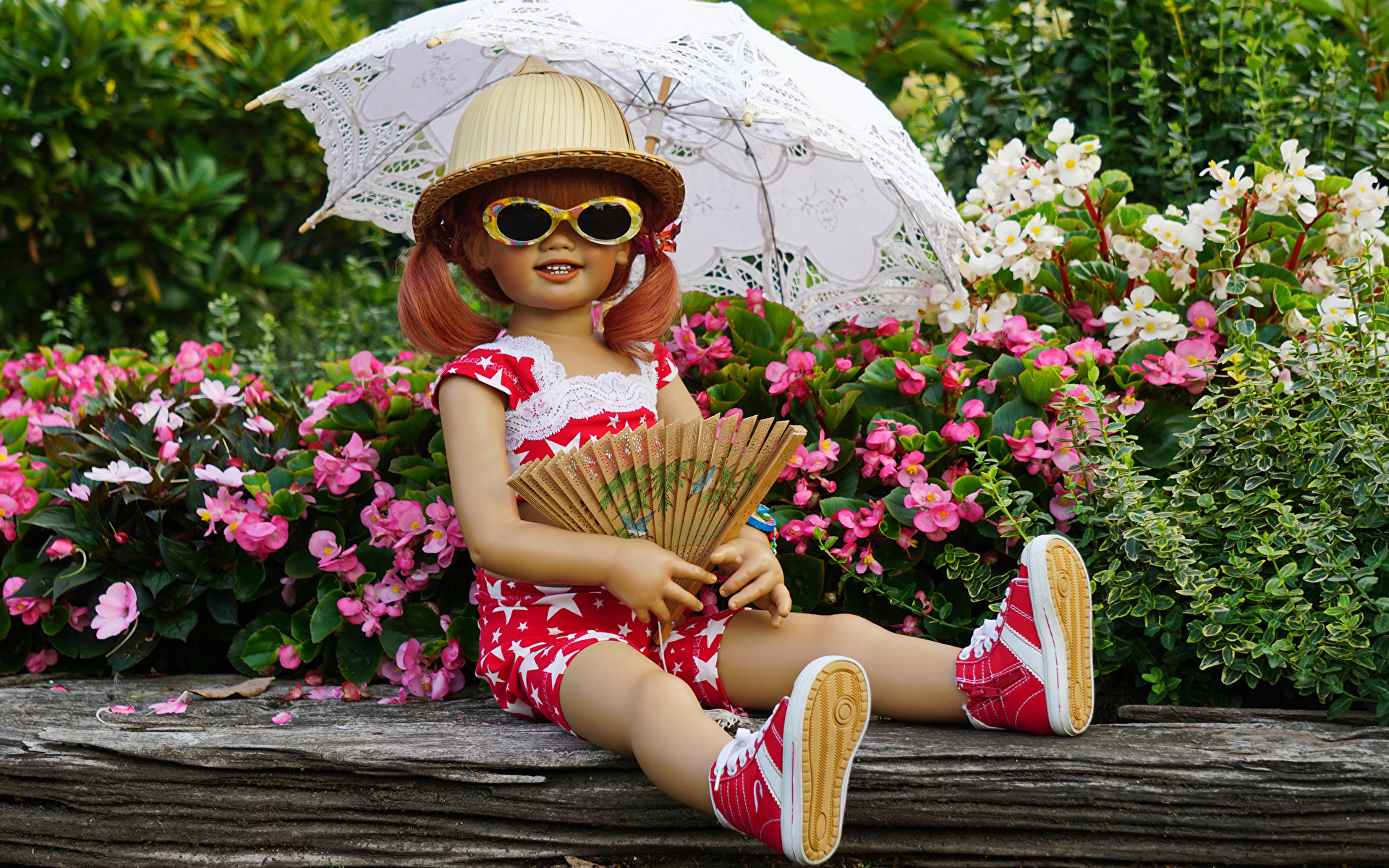 Фото девочка Германия куклы Grugapark Essen шляпы Природа парк Очки Зонт 1920x1200 Девочки Кукла Шляпа шляпе Парки очков очках зонтом зонтик