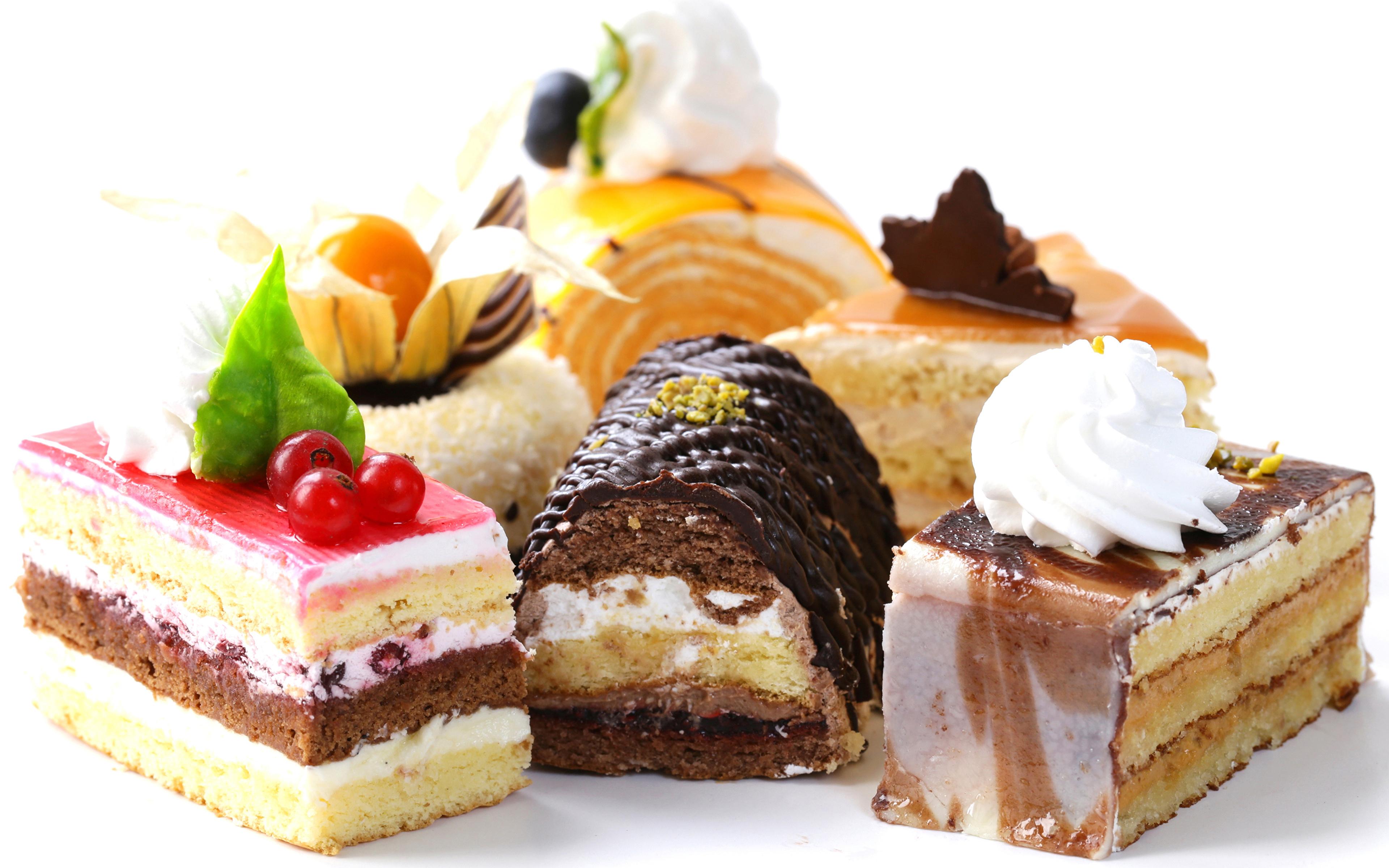 Фото Шоколад Пища Пирожное белом фоне сладкая еда Дизайн 3840x2400 Еда Продукты питания Сладости Белый фон белым фоном дизайна