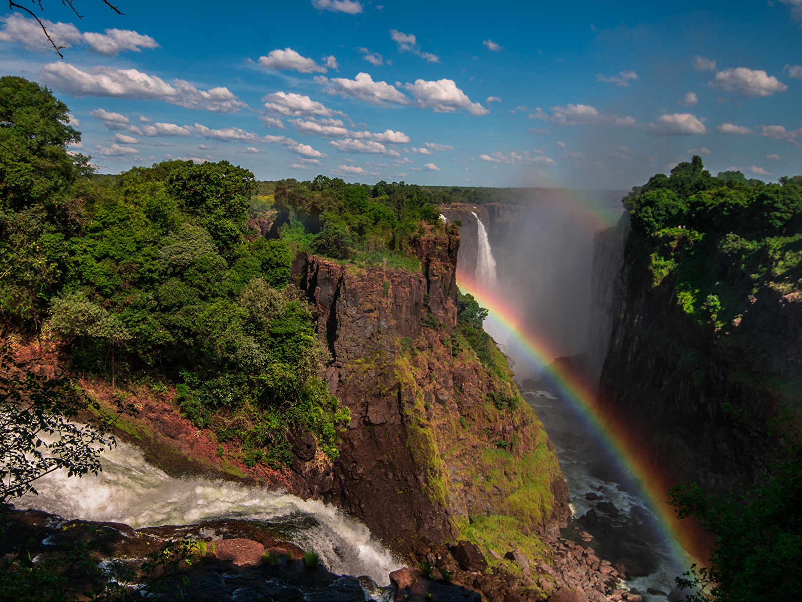 Фото Victoria Falls Zimbabwe Скала Радуга Природа Водопады кустов 1600x1200 Утес скале скалы радуги Кусты