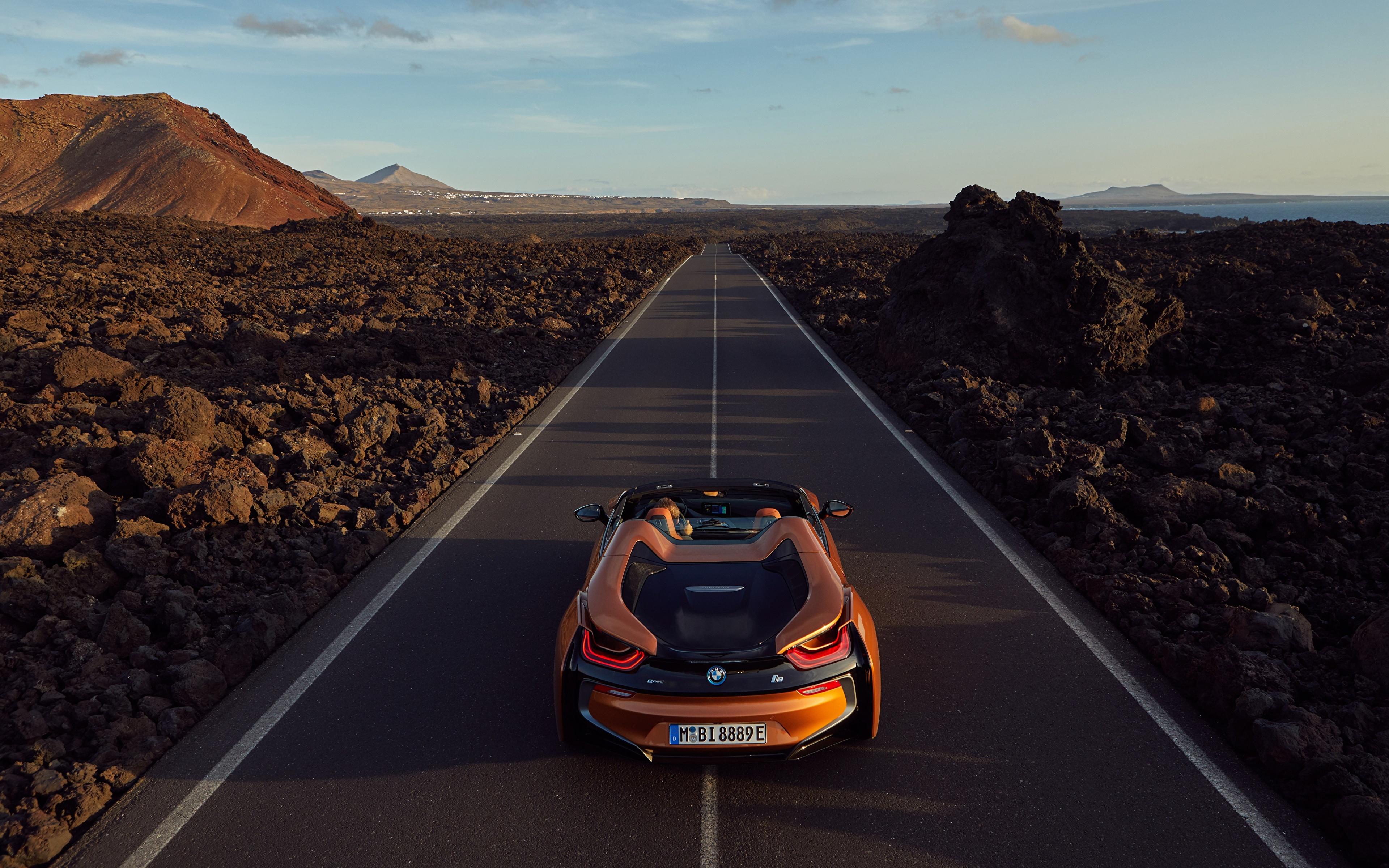 Картинка БМВ 2018 i8 Родстер оранжевые Дороги Автомобили 3840x2400 BMW оранжевых Оранжевый оранжевая Авто Машины