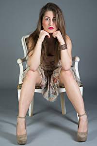 Картинка Стулья Сидящие Платья Ноги Взгляд Amina Девушки