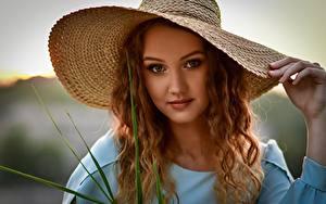 Фотографии Шляпы Волос Смотрит Красивая Anastasia Mazay (Donskaya) девушка