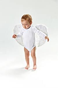 Обои Ангелы Серый фон Мальчики Крылья Ребёнок
