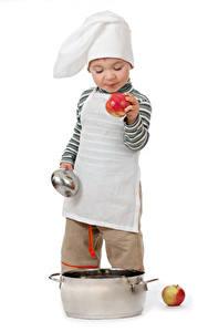 Фотография Яблоки Белый фон Мальчики Шапки Повар Ребёнок