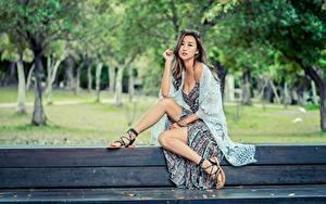 Обои Азиаты Скамья Поза Сидит Ног Платья Девушки
