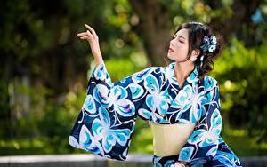 Картинки Азиатка Боке Поза Кимоно Руки Девушки