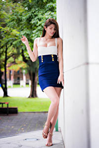 Фотография Азиаты Платье Ног Боке молодая женщина