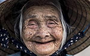 Обои Азиаты Улыбка Лица Старуха