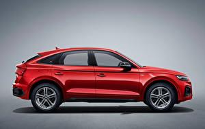 Фотографии Audi Кроссовер Красная Металлик Сбоку Серый фон Q5L Sportback 45 TFSI quattro S line, China, 2020 авто