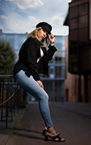 Фотография Блондинки Поза Джинсов Кепка Взгляд Aurelia