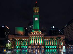 Фотографии Австралия Брисбен Здания Часы В ночи Уличные фонари