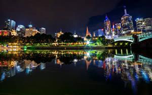 Фотография Австралия Мельбурн Здания Речка Мосты Ночные Отражении город