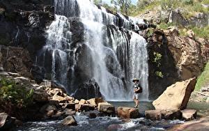 Фотографии Австралия Камни Речка Водопады Скалы Путешественник MacKenzie Falls
