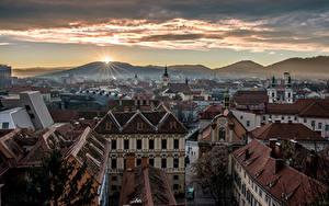 Картинка Австрия Дома Горы Рассвет и закат Graz