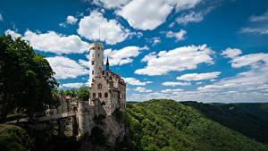 Фотографии Австрия Гора Замок Небо Альп Облачно Башни Castle Lichenstein Природа