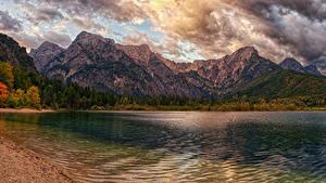 Обои Австрия Горы Озеро Побережье Осень Облачно lake Almsee