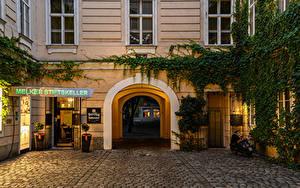 Фотографии Австрия Вена Здания Вечер Улице Арка