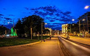 Обои Австрия Вена Дома Вечер Улица Уличные фонари Города