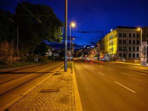 Обои для рабочего стола Австрия Вена Здания Дороги Ночью Уличные фонари Улице Города
