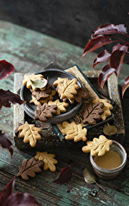 Обои Осень Печенье Доски Листья Продукты питания
