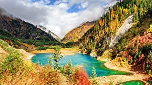 Обои для рабочего стола Осенние Гора Озеро Китай Парки Цзючжайгоу парк Пейзаж Sichuan province Природа