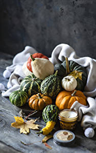 Фото Осенние Тыква Свечи Доски Листва Природа