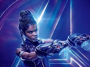 Обои Мстители: Война бесконечности Негр Letitia Michelle Wright Фильмы Знаменитости Девушки