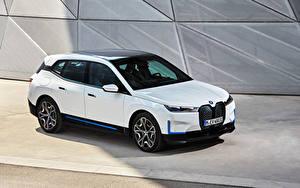 Фотографии BMW Белых Металлик 2021 iX xDrive40 Worldwide машины