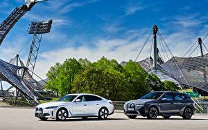 Картинка БМВ Двое Металлик BMW iX, BMW i4 машина