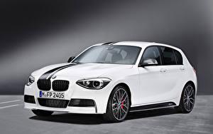 Картинки BMW Белые Металлик 1 Series M Performance Accessories 5-door, 2012–15