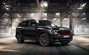 Фото БМВ Черный CUV X5 M50i Edition Black Vermilion, (Worldwide), (G05), 2021 автомобиль