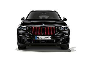 Обои для рабочего стола BMW Кроссовер Черный Спереди Белом фоне X5 M50i Edition Black Vermilion, (Worldwide), (G05), 2021 Автомобили