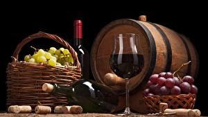 Обои для рабочего стола Бочка Виноград Вино Бокалы Корзины Еда