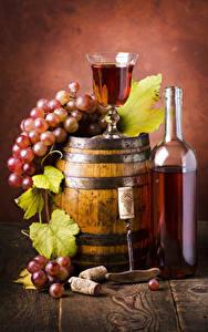 Картинка Бочка Вино Виноград Бокалы Доски Бутылка