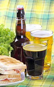 Фотографии Пиво Бутерброды Стакана Бутылки Еда