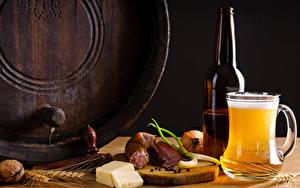 Картинки Пиво Колбаса Сыры Орехи Кружка Бутылка Колос