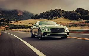 Обои для рабочего стола Бентли Зеленые Движение 2019 Continental GT V8 машина